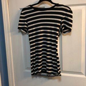 Women's old navy tee shirt
